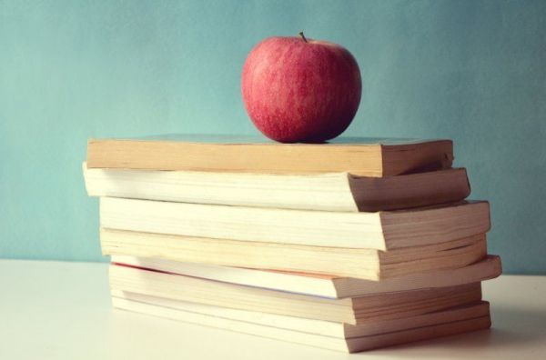books_apple_hires